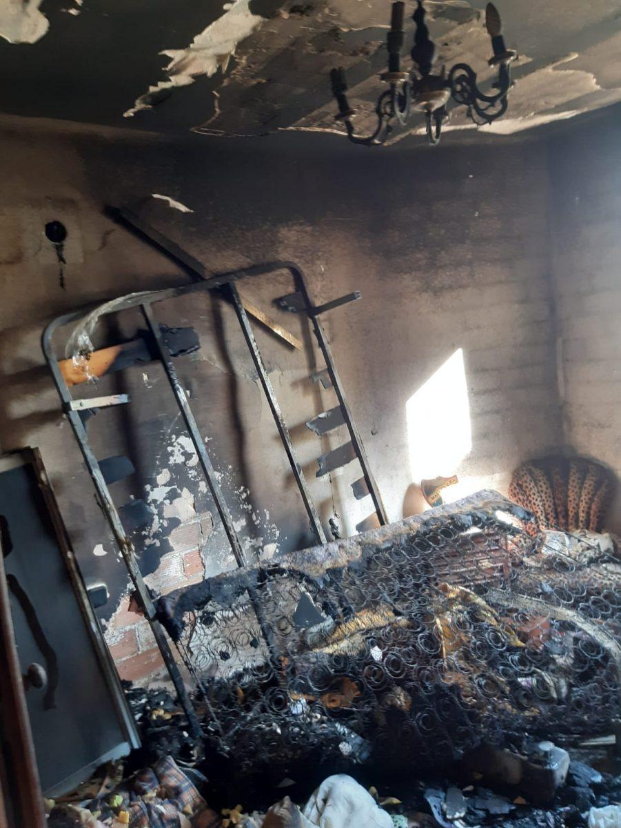 Rescatan A Una Persona En El Incendio De Su Domicilio En Rincón De La Victoria Axarquiaplus
