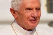 Benedicto_XVI_2011-174x116.jpg