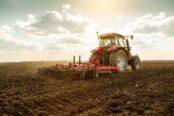 Labores-agricultura-y-ganadería-12-Tractor-174x116.jpg