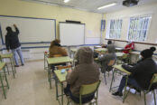 clases-aulas-colegios-174x116.jpg
