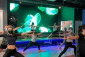 un-grupo-de-socios-de-un-gimnasio-practica-ejercicios-con-mascarillas-174x116.jpeg