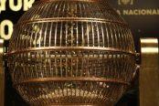 pruebas-en-los-bombos-antes-del-sorteo-extraordinario-de-la-loteria-de-navidad-174x116.jpeg